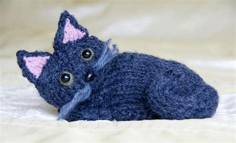 Free Knitting Cat Pattern