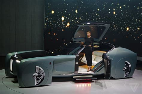 rolls royce concept the rolls royce vision 100 concept is completely