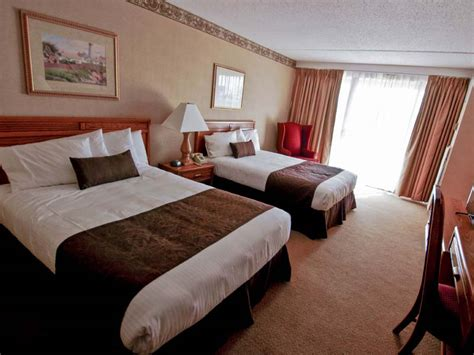 inn standard room family accommodation in poconos rooms suites in pa