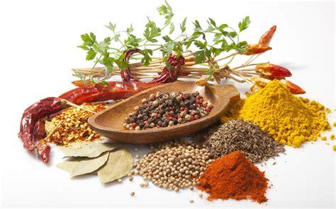 erbe e spezie in cucina come utilizzare le erbe aromatiche e le spezie in cucina