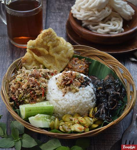 wajib coba 12 sajian nasi khas indonesia yang siap