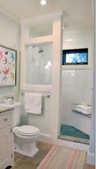 shower ideas for bathrooms best 25 small bathrooms ideas on small master