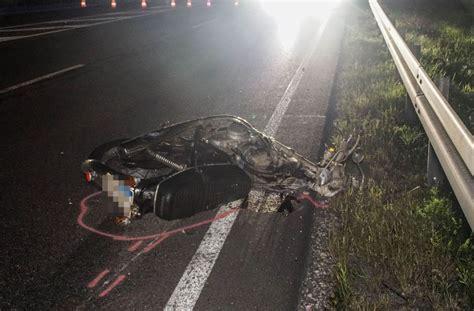 Unfall Motorrad Stuttgart by Unfall In Balingen Geisterfahrer Auf Motorrad Stirbt Bei