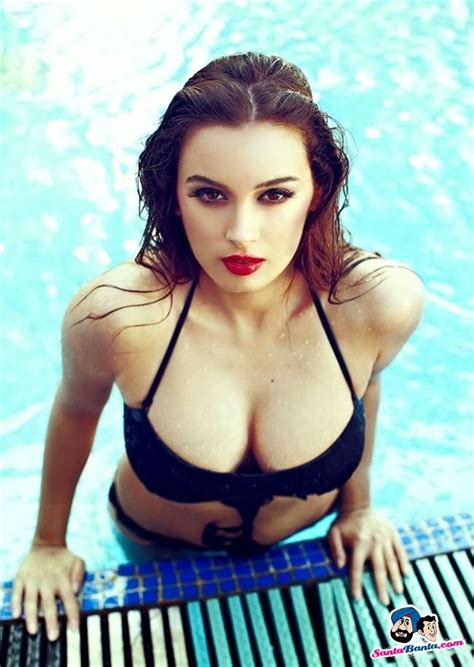 evelyn sharma mother 17 best images about evelyn sharma on pinterest peacocks