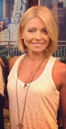 how does kelly ripa do her hair choppy layered celebrity victoria beckham haircuts hair