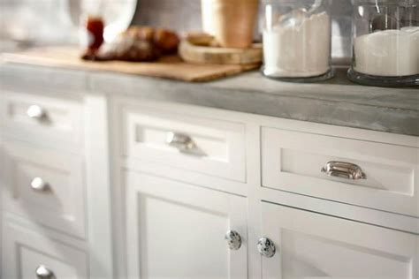 where to place knobs on kitchen cabinet doors cabinet knob placement 801 pinterest