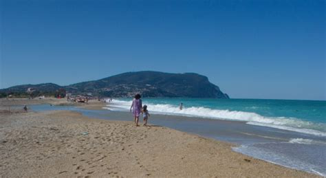 delle marche on line marche vacanze on line alberghi hotels bed breakfast