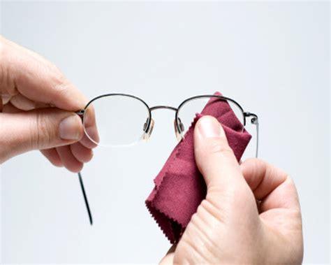 cleaning eye glasses glass