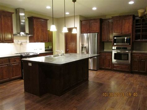 kitchen cabinets countertops and flooring combinations kitchen cabinets countertops and flooring combinations