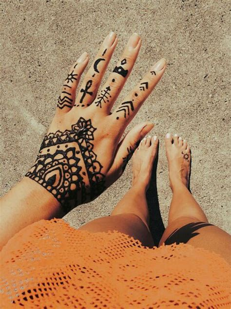 henna tattoo on wrist tumblr 1000 ideas about henna wrist on
