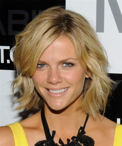 new fun hairstyles 30 awesome short wavy hairstyles creativefan