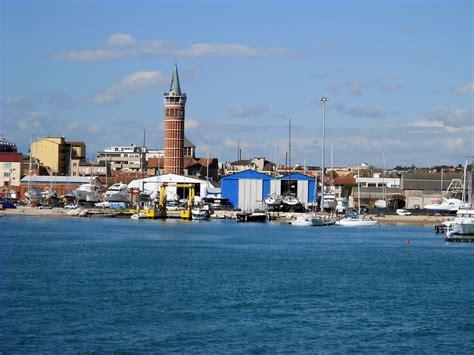 porto civitanova marche ombrine a feeder fishing porto di civitanova marche