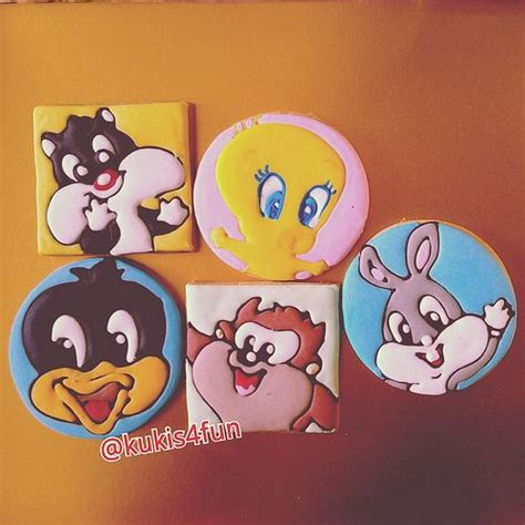 party themes cartoon characters 32 best looney tunes baby shower images on pinterest