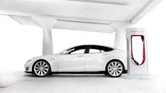 Tesla Electric Car How To Charge How Much Does It Cost To Charge A Tesla Model S Gizmodo