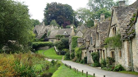 villages in usa 18 of the prettiest villages in the cotswolds simon s jamjar