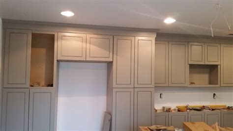 crown molding on top of kitchen cabinets crown molding on kitchen cabinets