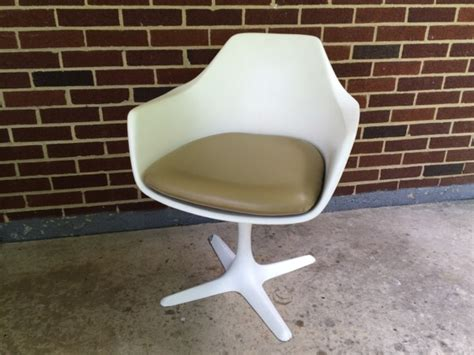 burke inc tulip chair tulip style arm chair with propeller base by burke