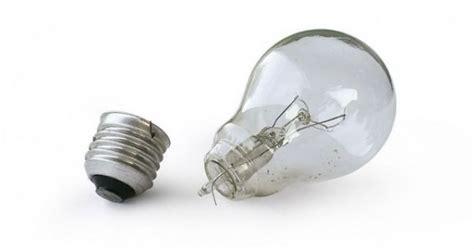 how to remove a broken light bulb removing a broken light bulb joe ie