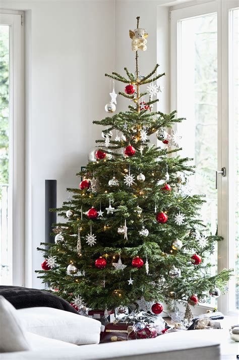 12 Top Tips On Decorating Trees by Tips For Decorating Your Tree Popsugar Home