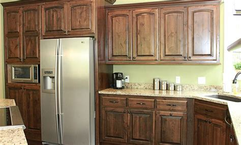 knotty hickory kitchen cabinets pin by paula on kitchen ideas