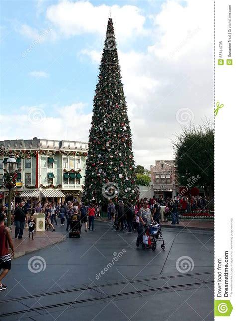 how tall are street disneyland christmas tree on main street editorial stock