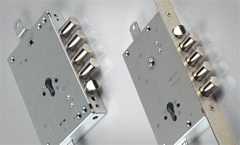 serrature elettriche per porte blindate serrature certificate per porte blindate con trappola anti
