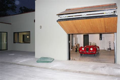 Overhead Door Of Winnipeg Doors Winnipeg Front Yard Garage Door Door Residential