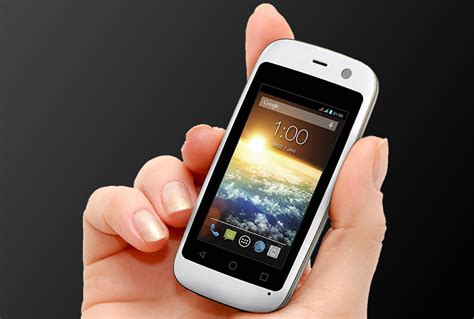 best small smartphone forget phablets the world s smallest smartphone only