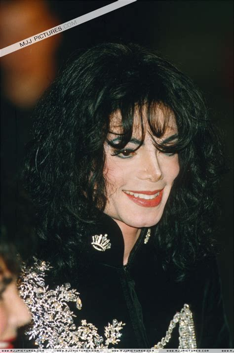 www michaeljacksonshortesthaircut com michael jackson curly hairstyle michael jackson curly