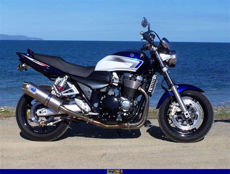Suzuki Bikes Wiki Suzuki Suzuki Gsx 1400 Moto Zombdrive