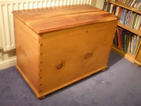 Handmade Dovetail Joints - handmade blanket box furniture repairs bristol
