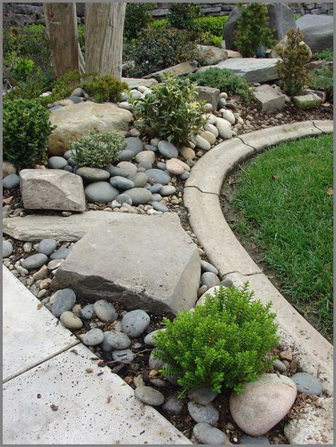 Rock For Garden Best 25 River Rock Gardens Ideas On Pinterest Landscaping With River Rock Rock Flower Beds