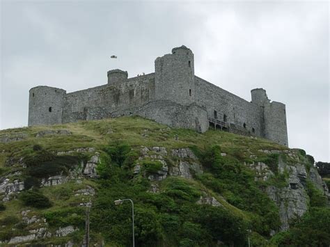 Castle Cottage B B by Photos Of Harlech Castle In Gwynedd West Wales
