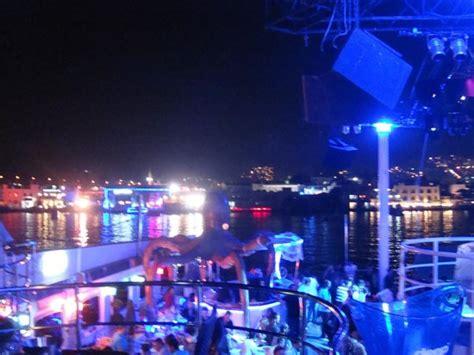 catamaran bodrum gemi dance on water marine club catamaran bodrum resmi