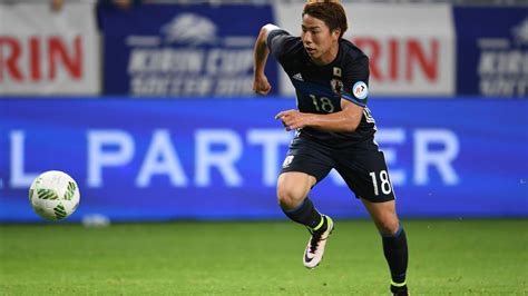 arsenal japanese player takuma asano claims arsenal have approached him about move