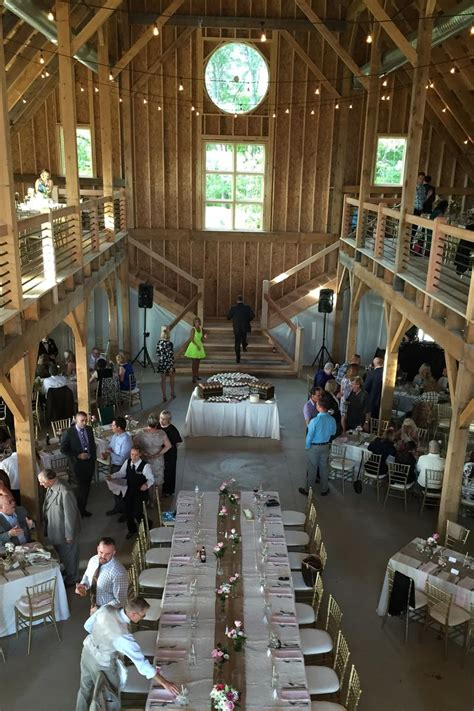 mapleside farms barn weddings  prices  wedding