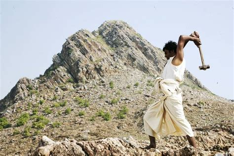 biography of manjhi movie first day collection prediction of manjhi total
