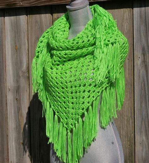 pattern for triangle scarf triangle shawl or scarf beginner crochet crocheting