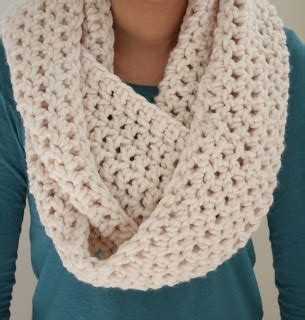how to make 41 easy and infinity scarves wear them