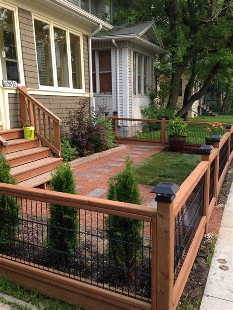 fenced backyard landscaping ideas best 25 front yard fence ideas on pinterest