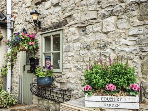 cottages in bakewell 1 bedroom cottage in bakewell friendly cottage in