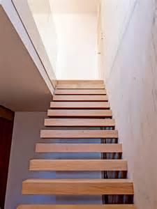 treppe freitragend wendl metall wendeltreppen barhocker grabkreuze