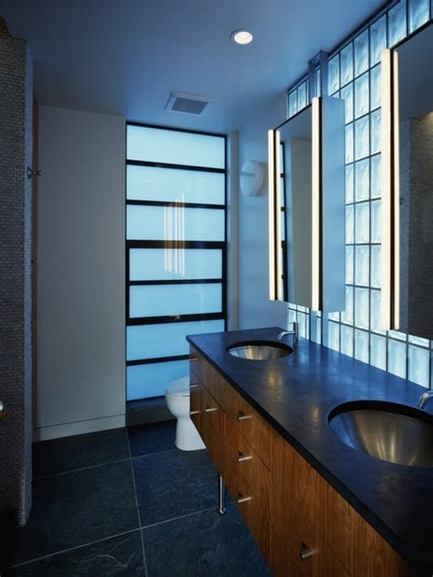 Supérieur Salle De Bain Mur En Verre #1: la-double-vasque-en-verre-brique-de-verre-salle-de-bain-cool-idée-pour-l-intérieur-resized.jpg