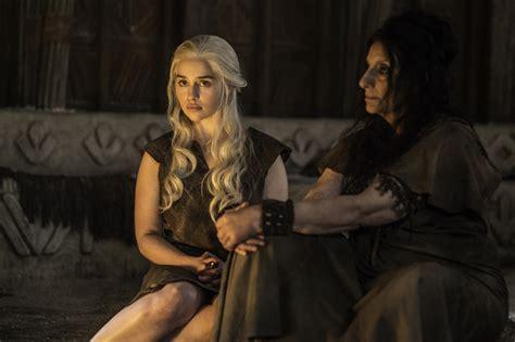 game of thrones season 6 emilia clarke on game of thrones season 6 spoilers did emilia clarke use