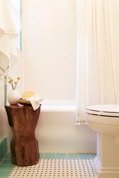 rental bathroom makeover my vintage bathroom brady tolbert