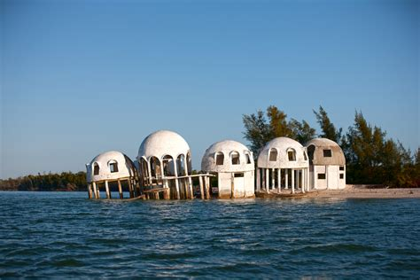 ufo haus dome houses in cape romano floridas sinkende ufo h 228 user