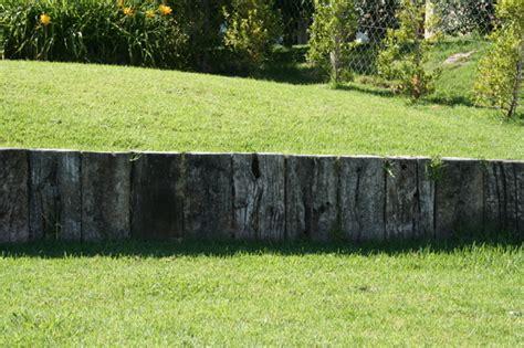 giardino in discesa descubre c 243 mo dise 241 ar jardines con desniveles ideas