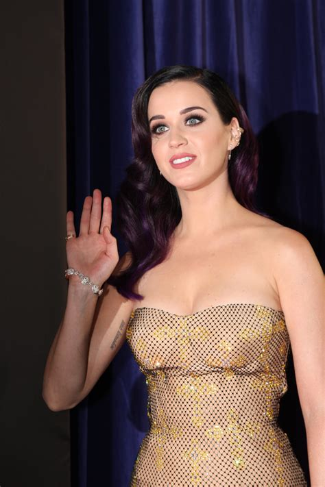 biography katy perry bahasa indonesia berkas katy perry part of me in sydney australia