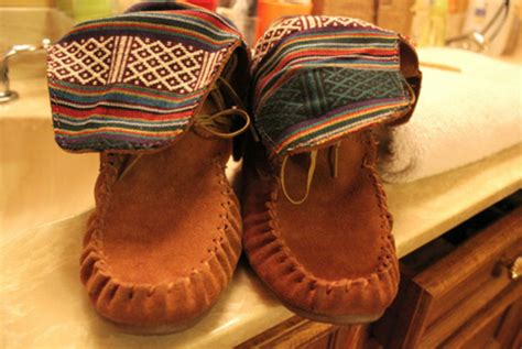 tribal pattern ankle boots shoes moccasins brown shoes boots tribal pattern
