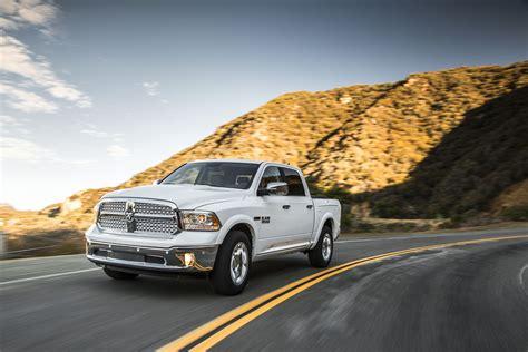 dodge ram 1500 ecodiesel sets new fuel economy benchmark